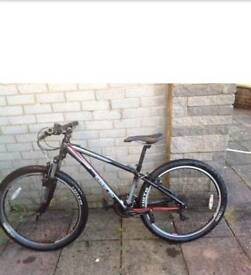Saracen tufftrax mountain bike