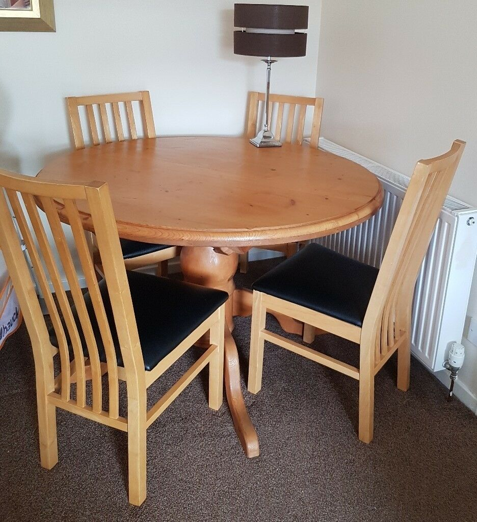 Solid wood round extendable dining table with 4 chairs for ...