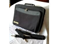 Classic Style Laptop/Netbook/Tablet Carry Case