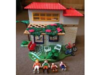 Playmobil Summer Fun. 4857. Family Holiday Home with figures & accessories