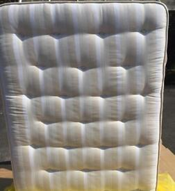 GRAB YOURSELF AN AMAZING DEAL ON THIS STUNNING 4FT6 MATTRESS!!