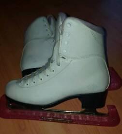 Ladies ice skates size 8