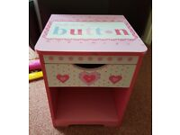 GIRLS BEDSIDE TABLE - GREAT CONDITION