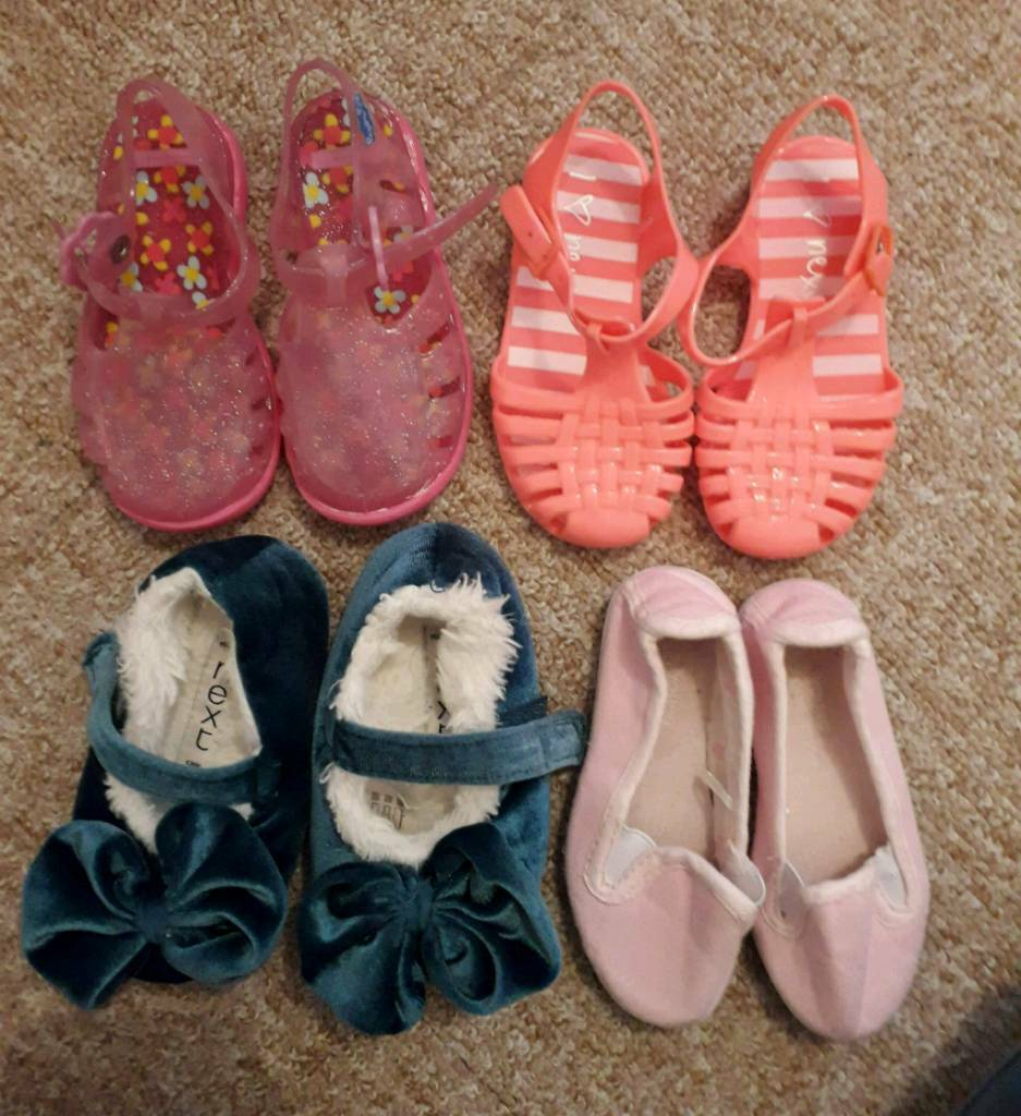 Girls toddler size 5/6 shoes