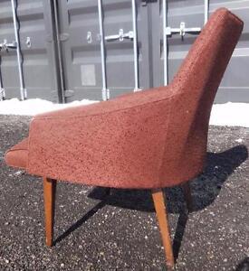 PROJECT Retro Decor TUB CHAIR / 1960s Original Teak legs / NEEDS Upholstery / High back / Vintage Midcentury Decorating