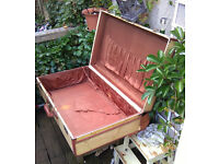 Lovely vintage Suitcase