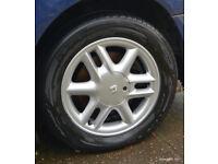 Nexen Nblue Eco 195 60 R15 88H car tyre with 15in Renault alloy wheel