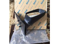 Bargain Vauxhall Astra Wing Mirror Cover Drivers Side