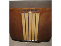 930/40's RADIOGRAM, WALNUT CABINET, COLLECTABLE, ANTIQUE, MOVIE OR STAGE PROP