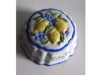 Decorative ceramic wall hanging jelly mould with lemons and blue flowers