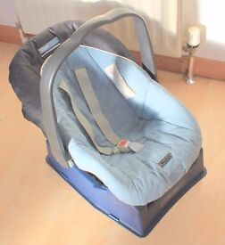 Mamas and Papas Primo Viaggio Baby Seat + 1 Surefix Base