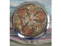 COMPACT: ** NEW ** Very Decorative Double Mirror with Elephant Design from Thailand/presentation box