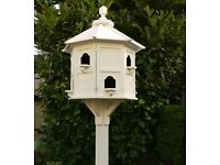 Post mounted dovecote
