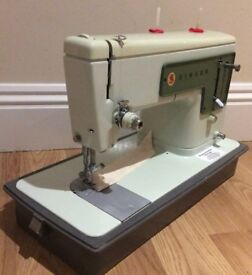 Singer 449K Sewing Machine Pre-Owned - With Warranty - UK Delivery - Fully Serviced