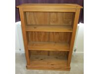 MEDIUM SIZE BOOKCASE IN DARK OAK *FREE DELIVERY*
