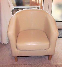 Good cream faux leather Club Chair