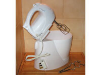 Cookworks electric hand mixer with stand and bowl. VGC