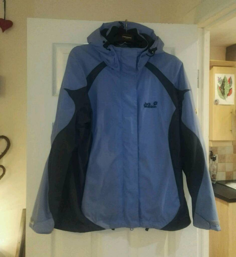 Jack Wolfskin woman rain proof hiking jacket with separate matching under fleece can deliv