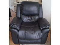 MADISON REAL LEATHER RECLINER ARMCHAIR SOFA HOME LOUNGE CHAIR RECLINING GAMING (USED)