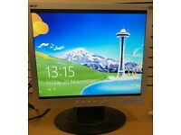 17 LCD monitor with leads - Laptop Dual View CCTV **FREE DELIVERY**