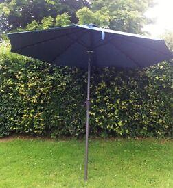 2.7m solar powered garden umbrella
