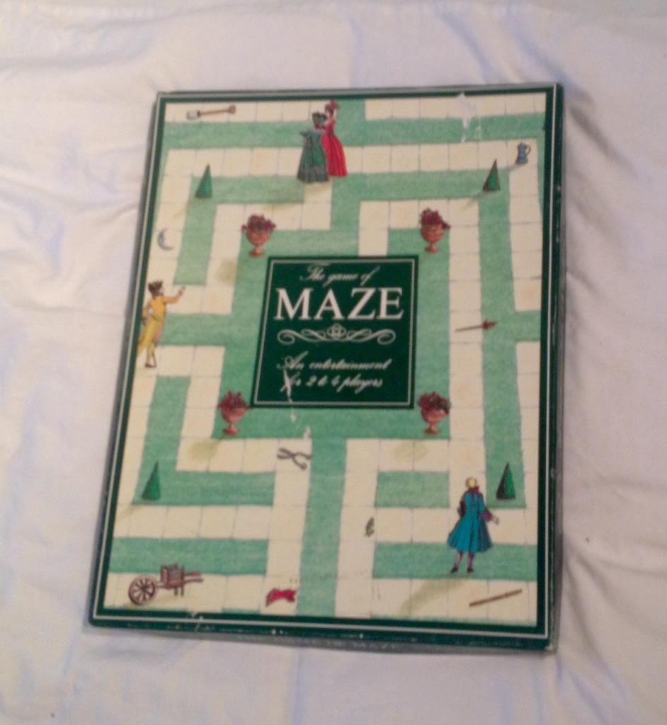 THE GAME OF MAZE BOARD GAME FROM OXFORD GAMES. 1990 EDITION. COMPLETE AND GOOD CONDITION.
