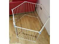 Lindam playpen room divider