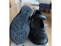Clarks girls black leather school shoes. Size 12