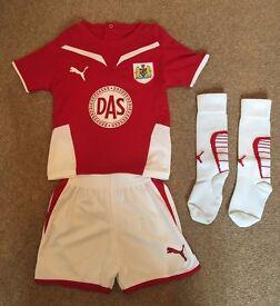 Boys Bristol City Football Kit (Age 12-18 Months)