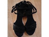 Ladies Open Toe Black Sequins Wedge Platform Espadrilles with Ankle Ties.Size 4.