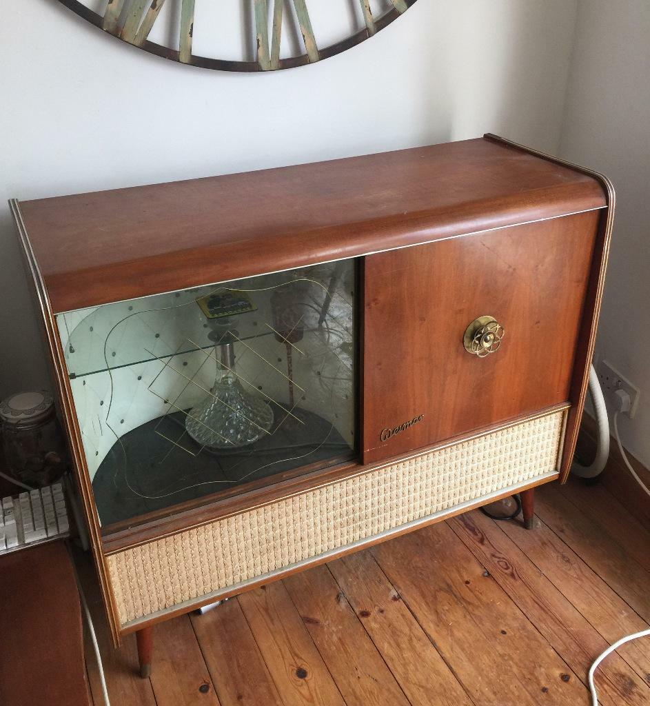 vintage record player and radiogram buy sale and trade ads. Black Bedroom Furniture Sets. Home Design Ideas