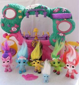 Zelf Bee Sweet Treehouse with 6 Zelfs Toy Bundle. Good Condition.