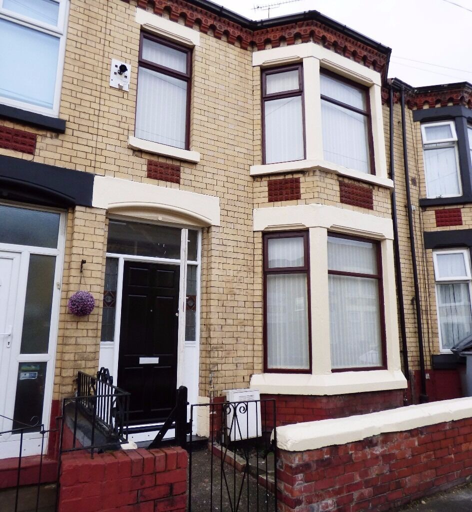 Newly refurbished three bedroom family terraced property on Clarence Grove Wallasey, CH44