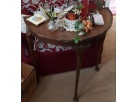 Vintage furniture from the '50s '60s - Half Moon Side table - ideal for a restoration project