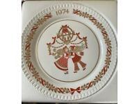 Spode Christmas plate 1974