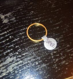 22 CT GOLD BAND SIZE Q 1/2 2.1 GRAMS