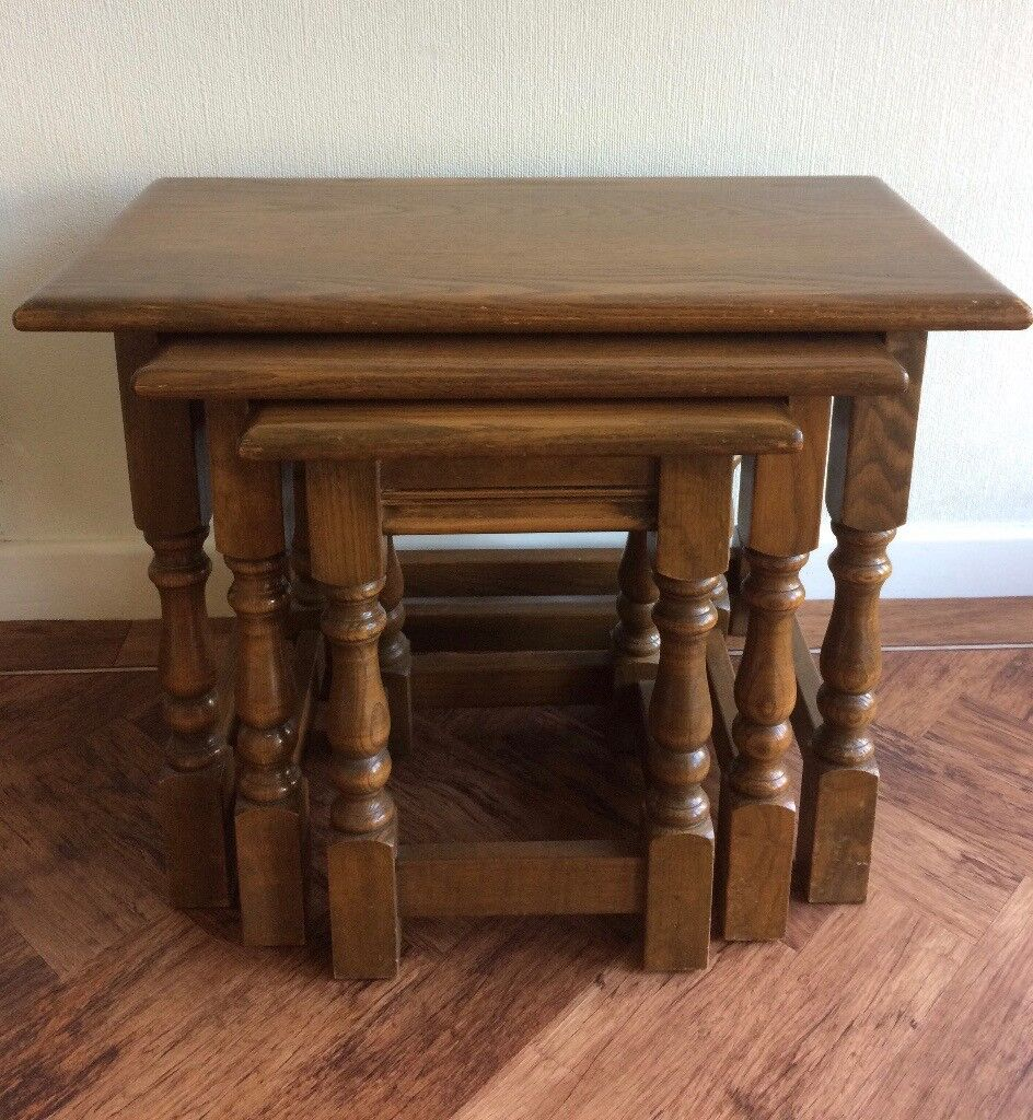 Merveilleux CLASSIC WOOD BROS OLD CHARM NEST OF TABLES