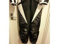 DAINESE LADIES 2 PIECE TATTOO DESIGN LEATHERS SIZE 12/14