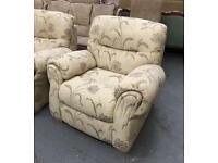 ** CREAM 3 PIECE SUITE IN EXCELLENT CONDITION - 3 SEATER SOFA & 2 ARMCHAIRS - SMOKE FREE HOME **