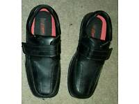 Boys shoes size 2 new