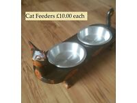 BRAND NEW UNUSUAL FAB HAND-CARVED FAIR TRADE WOODEN CAT FEEDERS – with Removable Bowls