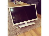 Bush 28 inch HD TV with build in DVD player