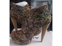 New/ Almost new ladies shoes for sale