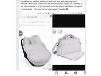 Maxi cosy car seat cosy toes with matching changing bag