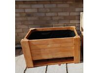 LARGE LINED PLANTER