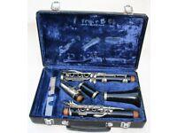 BOOSEY AND HAWKES HAWKS CLARINET AND HARD CARRY CASE