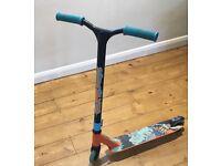 Slam stunt scooter