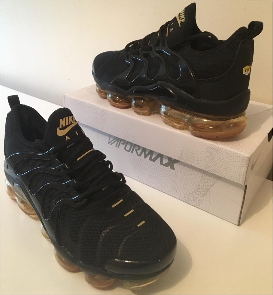 2857c7c689b Nike vm Tn vapormax Plus vms tns New In Box all black on gold