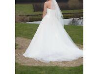 Wedding Dress and Veil Size 10/12
