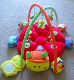 MAMAS & PAPAS babyplay lotty music PLAYMAT with lights & sound / gym £20 collect coulby newham